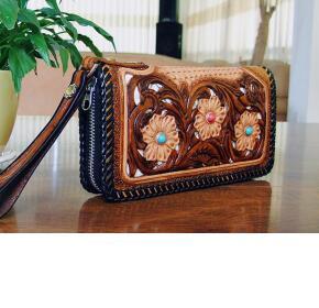 手工皮雕艺术-复古拉链式女士长款手包