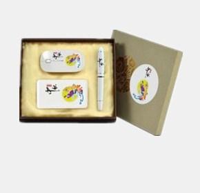 礼品套装:鼠标+移动电源+笔