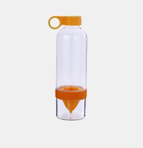手动榨汁水果杯