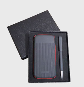 创意科技礼品套装自带线充电宝+进口磨砂U盘笔